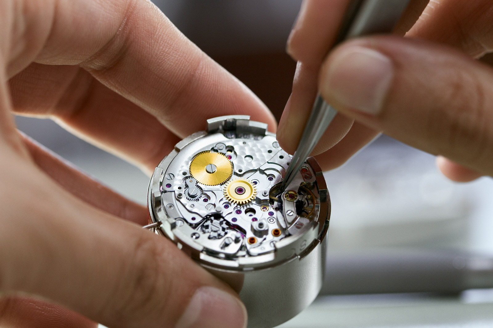 Rolex Bienne - A lupén keresztül