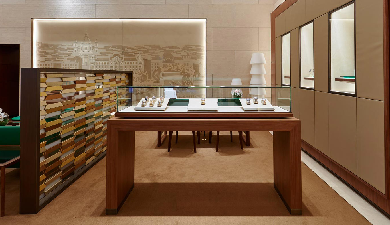 ROLEX BOUTIQUE BUDAPEST<br>BACK AT YOUR SERVICE